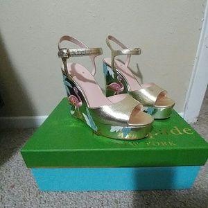 Kate Spade new york 6 M darie wedge sandals